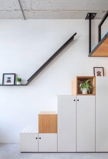 Diseño de escaleras estanterías de madera