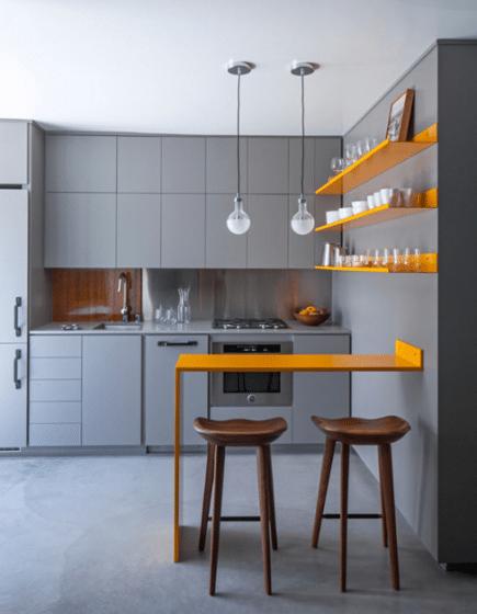 Diseño de pequeña cocina con isla moderna