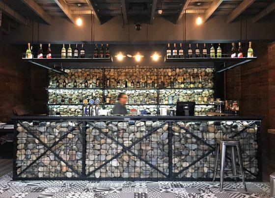 Diseño de barra de piedra para restaurante