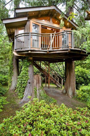 Hermosa casa de árbol