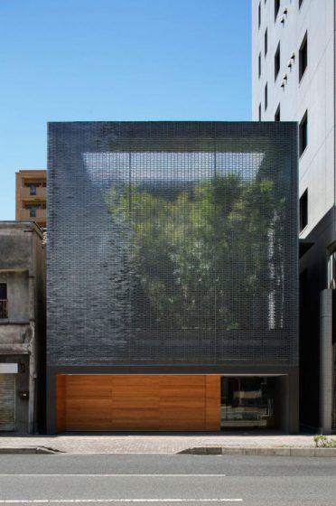 Diseño de fachada con bloques de cristales